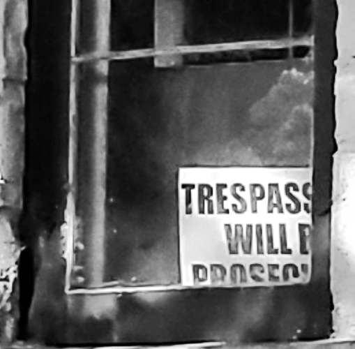 lion house tresspassors will be prosecuted